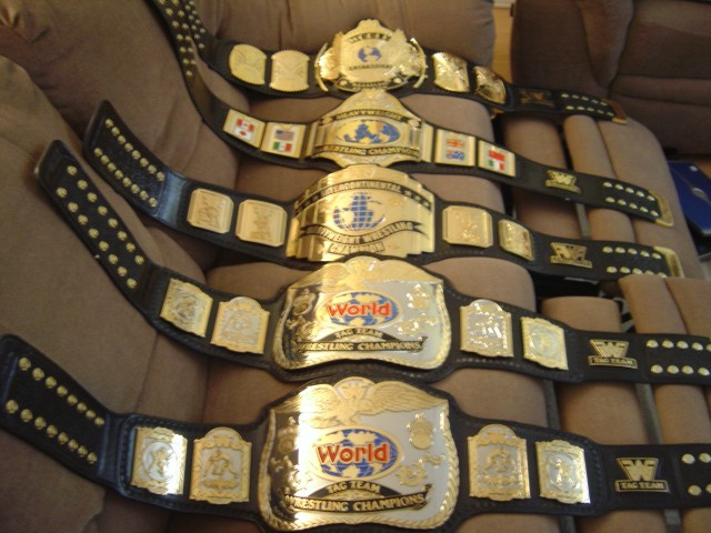 how to make a wwe championship belt out of cardboard